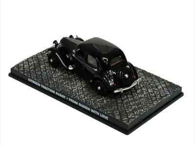 """Eaglemoss Publications   M 1:43   CITROËN Traction Avant - James Bond Series """"From Russia With Love"""""""