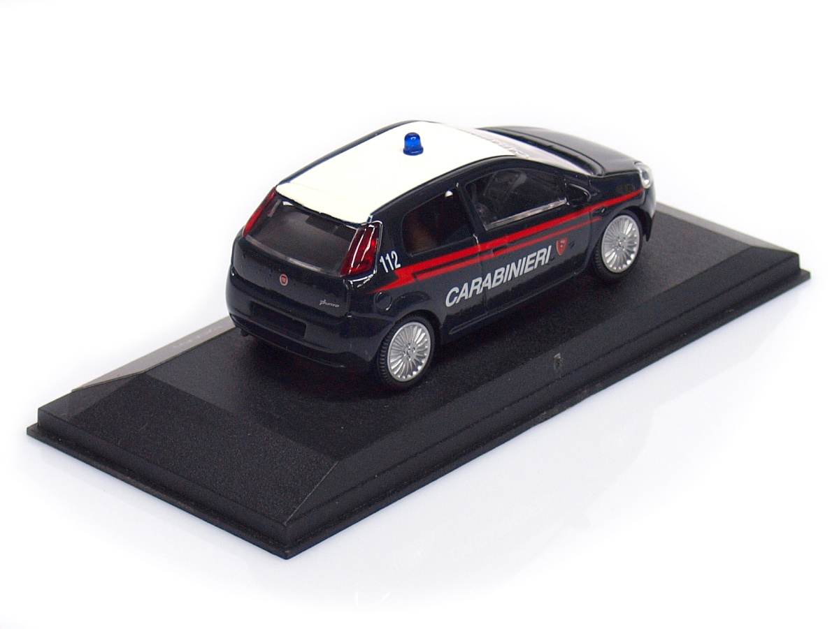 Mondo Motors   M 1:43   Fiat Grande Punto - Carabinieri