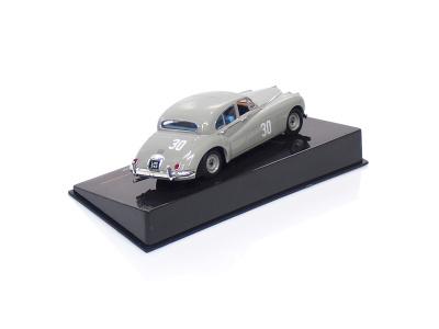 IXO   M 1:43   JAGUAR MKVII #30 Stirling Moss Silverstone (1952)