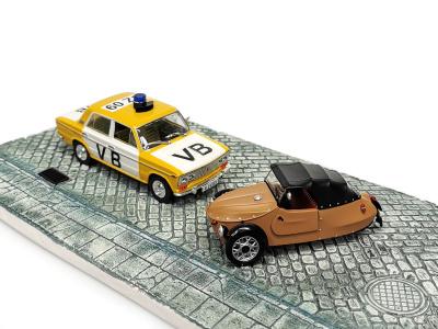 Carmodels SK/ Abrex CZ | M 1:43 | VELOREX 16/350 (1966) + VAZ 2103 VB + podstavec