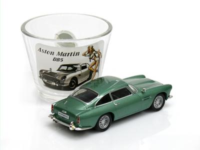Carmodels SK / DeA | M 1:43 | Pohárik ASTON MARTIN DB5 + Model 1:43