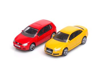 VW Golf V + AUDI RS4