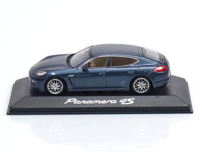 Minichamps   M 1:43   PORSCHE Panamera 4S ( 2010 - )